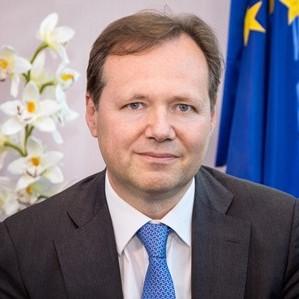 Roberto Viola