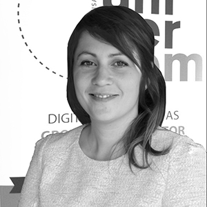 Carole Navarro