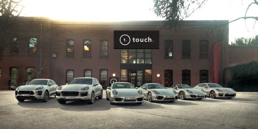 Touche rijdt met Porsche