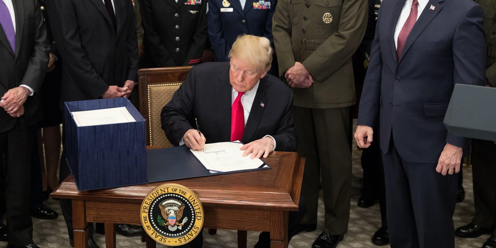 Photo of Trump en guerre contre les réseaux sociaux