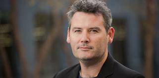 Mark D`Arcy, Chief Creative Officer bij Facebook, op de opening keynote van Digital First