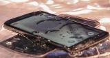 De Galaxy S5 nomineert de iPhone 5S voor de Ice Bucket Challenge