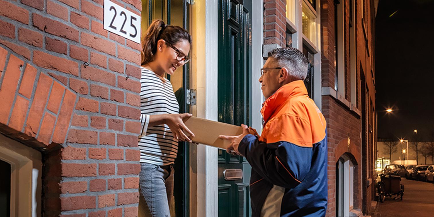 Comment PostNL entend assurer un meilleur suivi des commandes