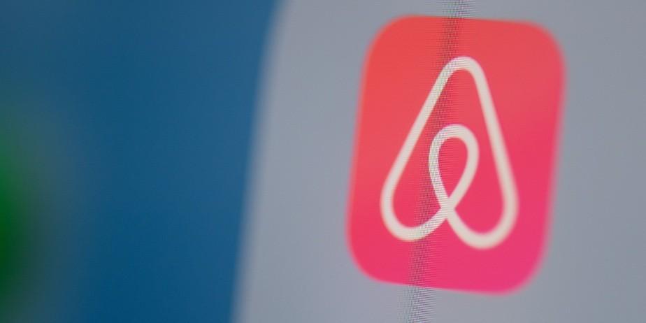 Photo of Airbnb ontslaat een kwart van zijn personeel wereldwijd