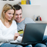 La vente en ligne a bondi en 2011 et les commerces de détails s`y mettent aussi